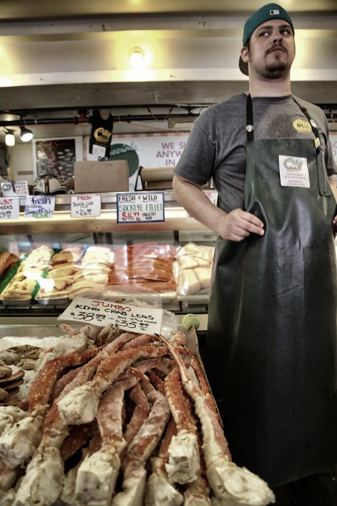 fish monger, pike place market,seattle