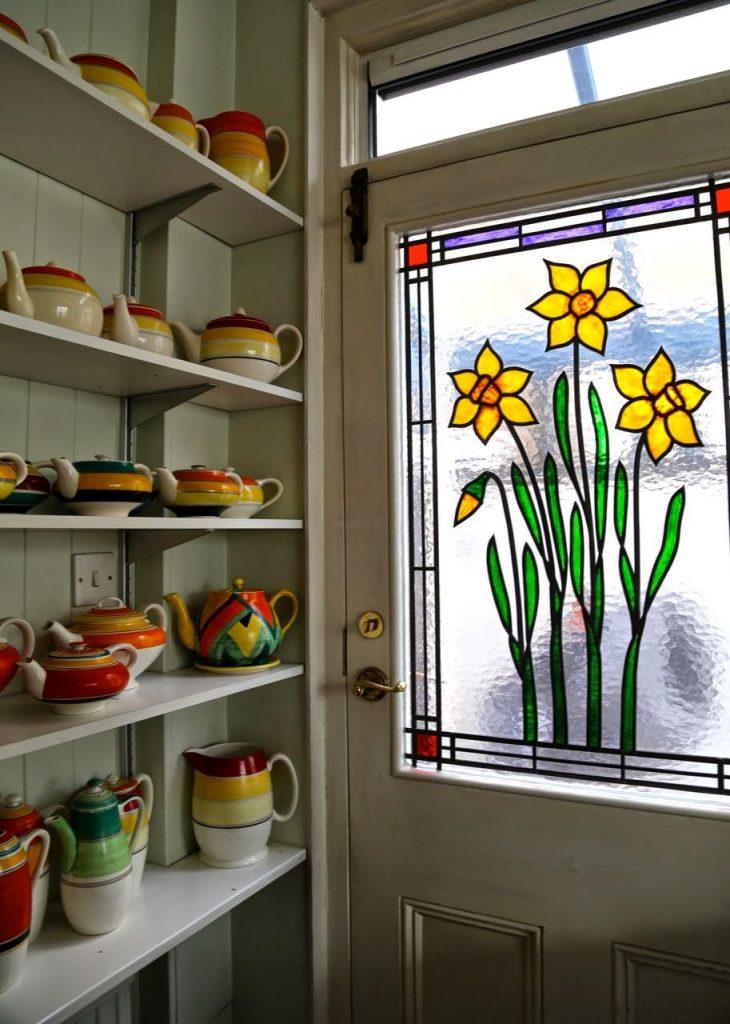 Bloomsbury ceramics, stained glass door, David Herberts secret tea