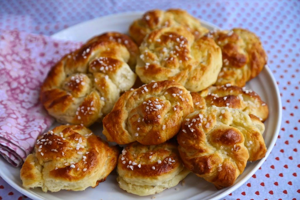 swedish cardamom buns