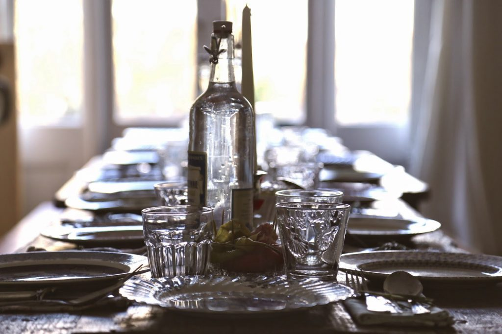 supper club table