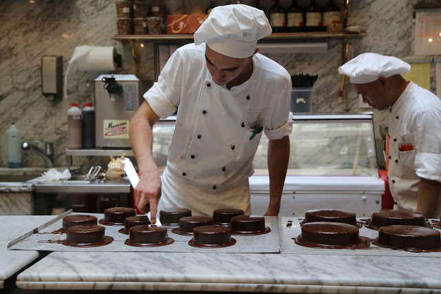 making sachertorte, cafe demel, Vienna