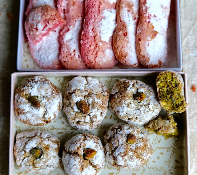 wine and biscuits: biscuits roses de reims and pistachio cantuccini
