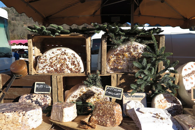 alpine cheese, samoens market, Alps, France