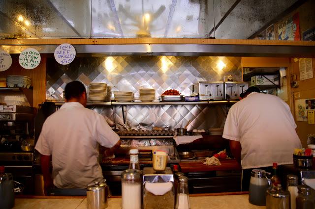 La Bonbonniere, old style new york diner, 8th st