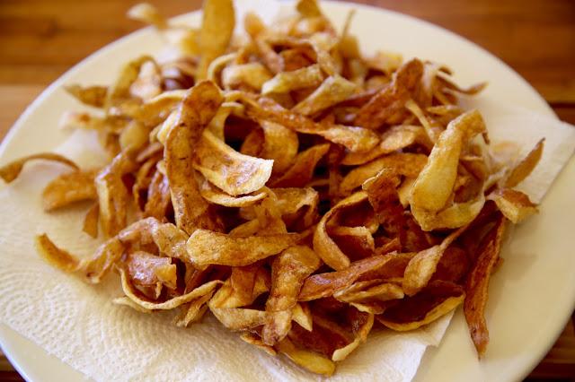 fried potato skins, Portugal