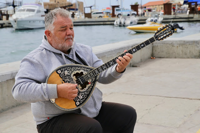 balalaika player, Paphos,  Cyprus pic: Kerstin Rodgers/msmarmitelover.com