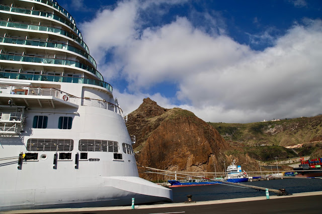 Britannia, P and O cruise, docking at Santa Cruz de la Palma, Canary Islands Pic: Kerstin Rodgers/msmarmitelover