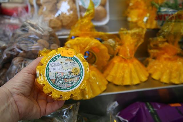 almond cake/cheese at the market place, Santa Cruz de la Palma, Canary Islands Pic: Kerstin Rodgers/msmarmitelover