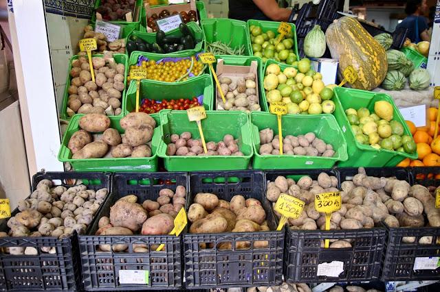 Potato varieties at Mercado Nuestra Señora de África market, Santa Cruz de Tenerife, pic: Kerstin Rodgers/msmarmitelover