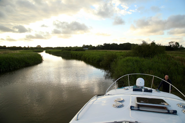 Boating on the Norfolk broads, pic: Kerstin Rodgers/msmarmitelover.com