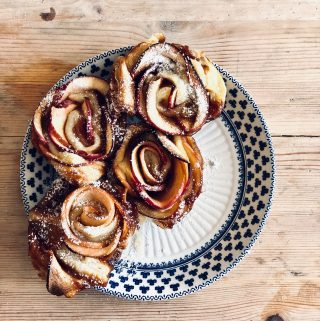 salted caramel apple cinnamon rolls pic:Kerstin Rodgers