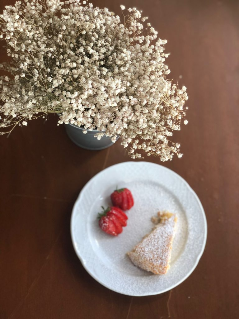 La dimora Dei Cavalieri, an 'agriturismo', Basilicata. Crostata di pere. Chef Rosaria. pix: Kerstin Rodgers/msmarmitelover.com