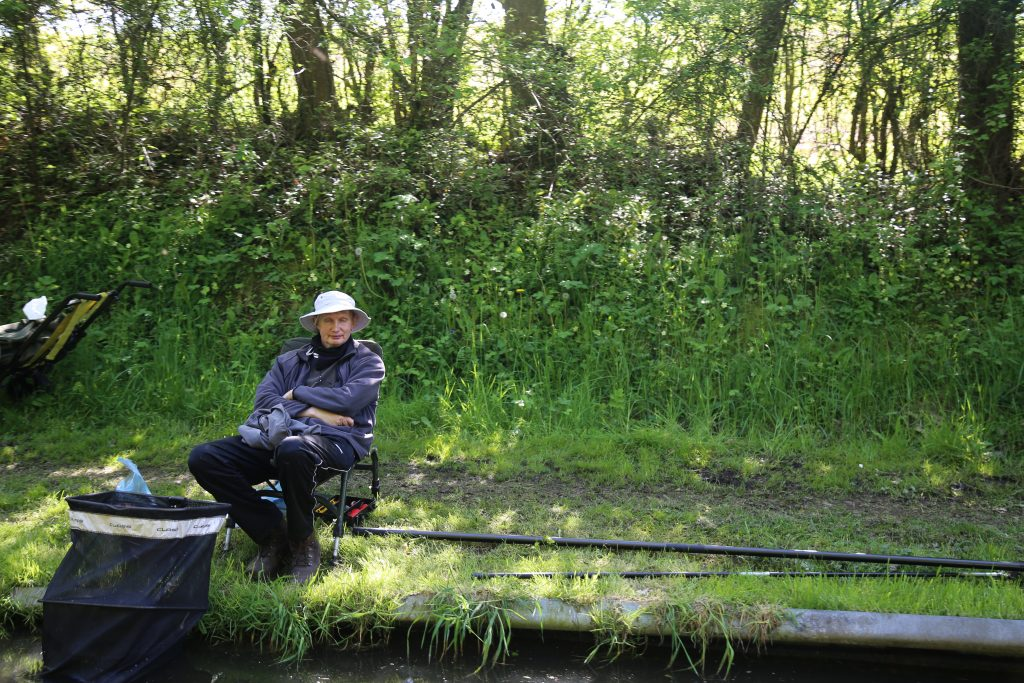 fisherman on Shropshire grand canal pix: Kerstin Rodgers/msmarmitelover.com