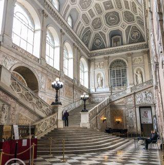 Naples palace pix: Kerstin Rodgers/msmarmitelover.com