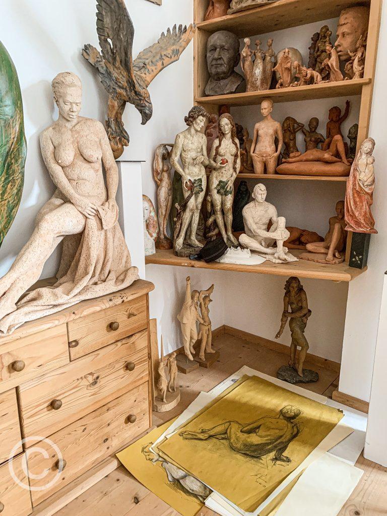 the studio of Ivo piazza, wood sculptor pix: Kerstin Rodgers/msmarmitelover.com